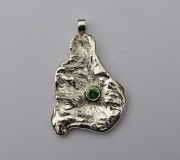Silver pendant with Tsavorite